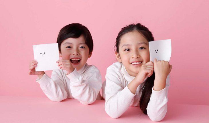 「ぺぱぷんたす」は、かわいい顔をした白くてふわふわの紙「ふわぷん」。切ってちぎって楽しく遊ぼう!
